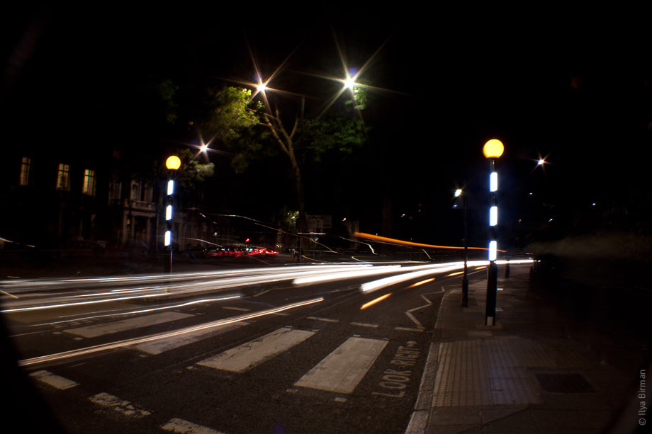 Night highlighting of the pedestrian crossings