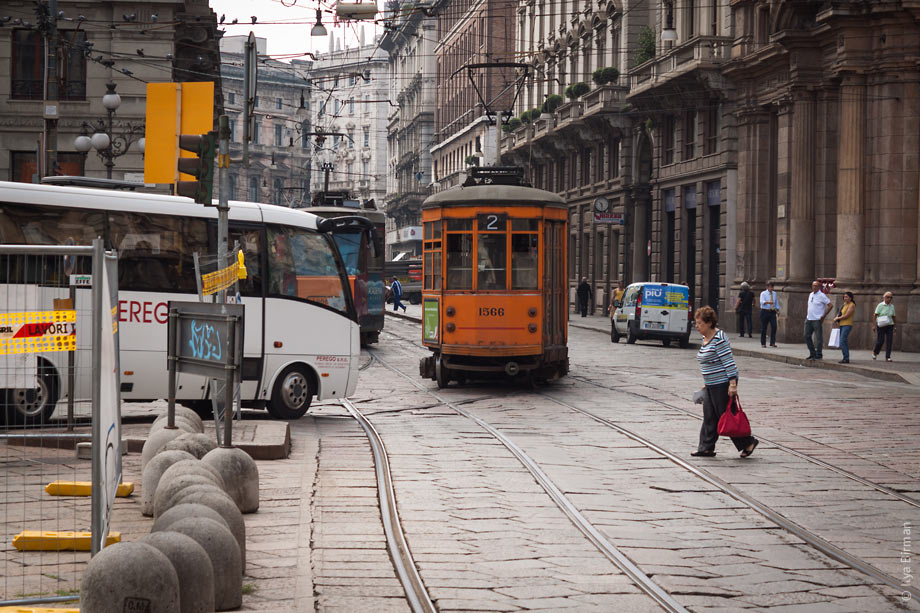 Trams are adorable in Milan