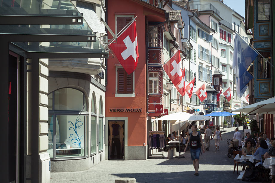 Swiss flags in Zurich