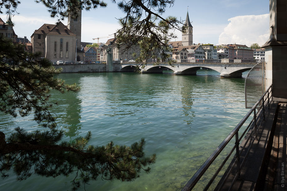 The water in the river in Zurich is clean
